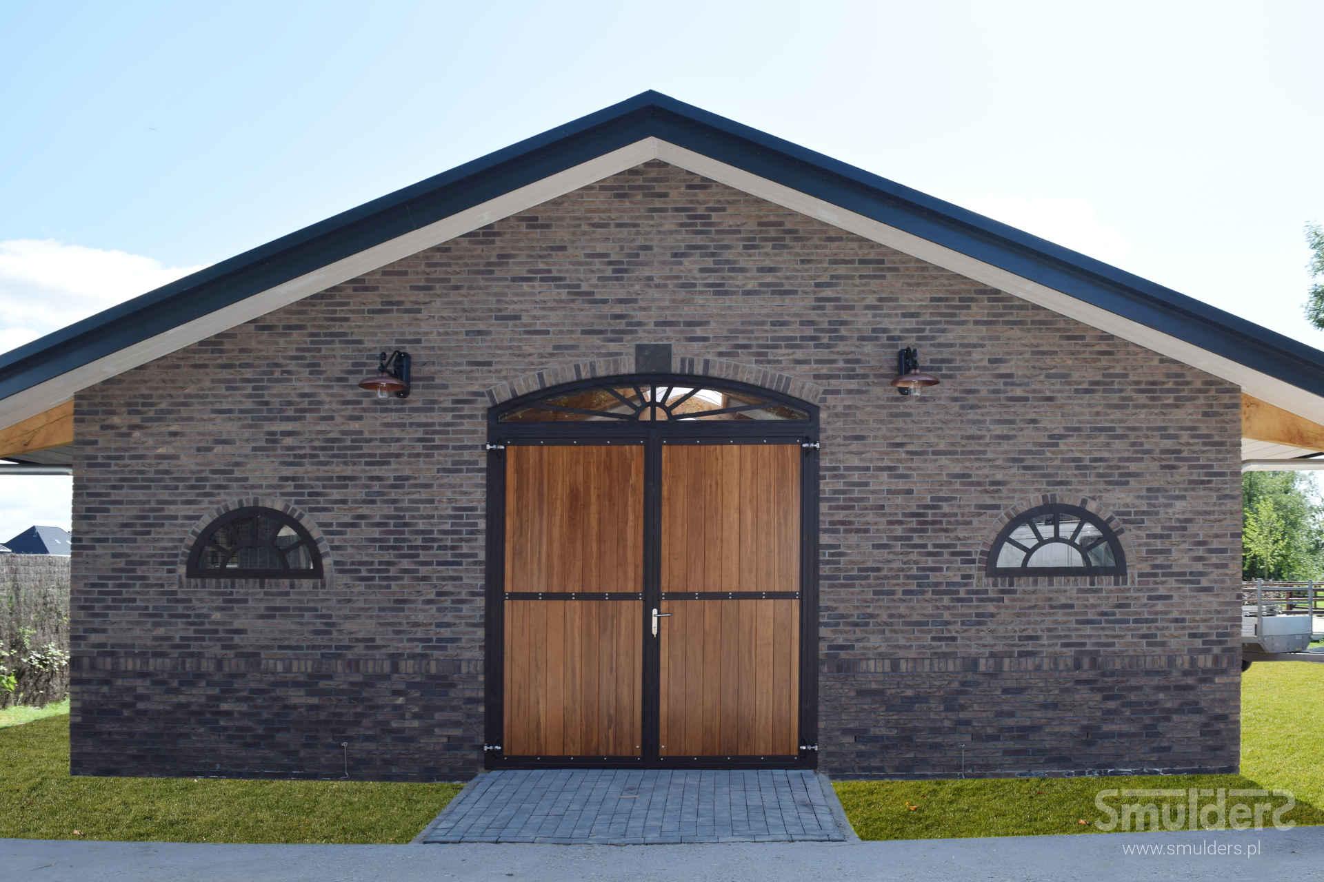 http://www.smulders.pl/wp-content/uploads/2016/10/f003_TBV_barn-door_windows_SMULDERS_PL.jpg