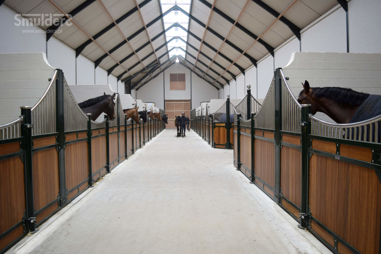 f001_internal-stables_classic-wave_SMULDERS_PL-1280x853.jpg