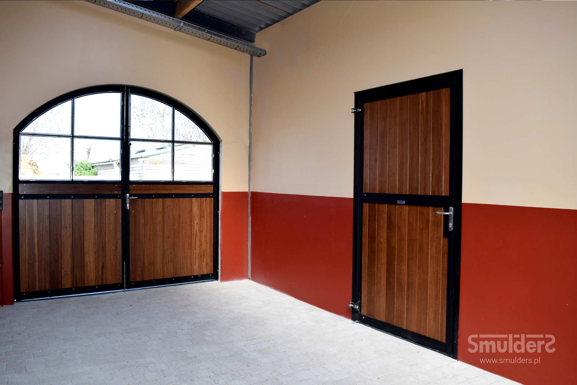 http://www.smulders.pl/wp-content/uploads/2019/03/f005_internal-stables_windsor_doors_windows_barn-doors_PRSH_SMULDERS_PL.jpg