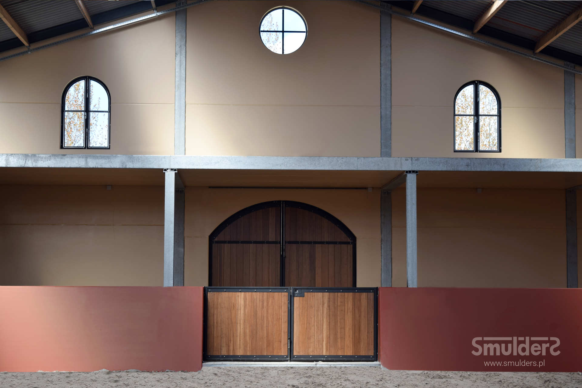 http://www.smulders.pl/wp-content/uploads/2019/03/f006_internal-stables_windsor_doors_windows_barn-doors_PRSH_SMULDERS_PL.jpg
