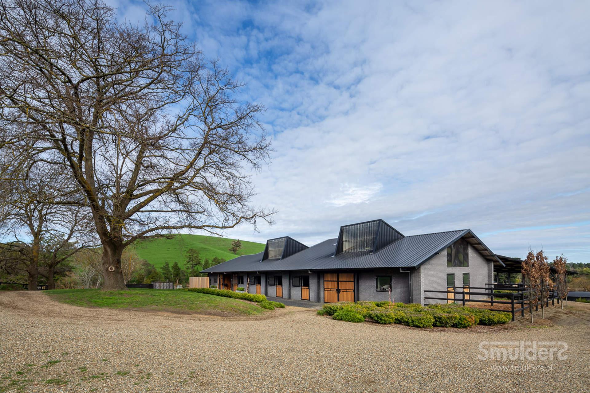 http://www.smulders.pl/wp-content/uploads/2019/10/f002_buckingham_barn-doors_doors_windows_KIL_SMULDERS_PL.jpg