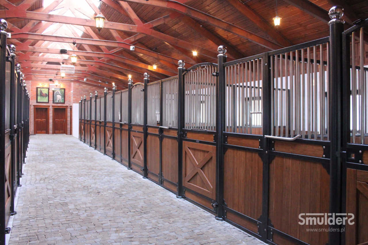 f001_internal-stables_windsor_SMULDERS_PL-1280x853.jpg