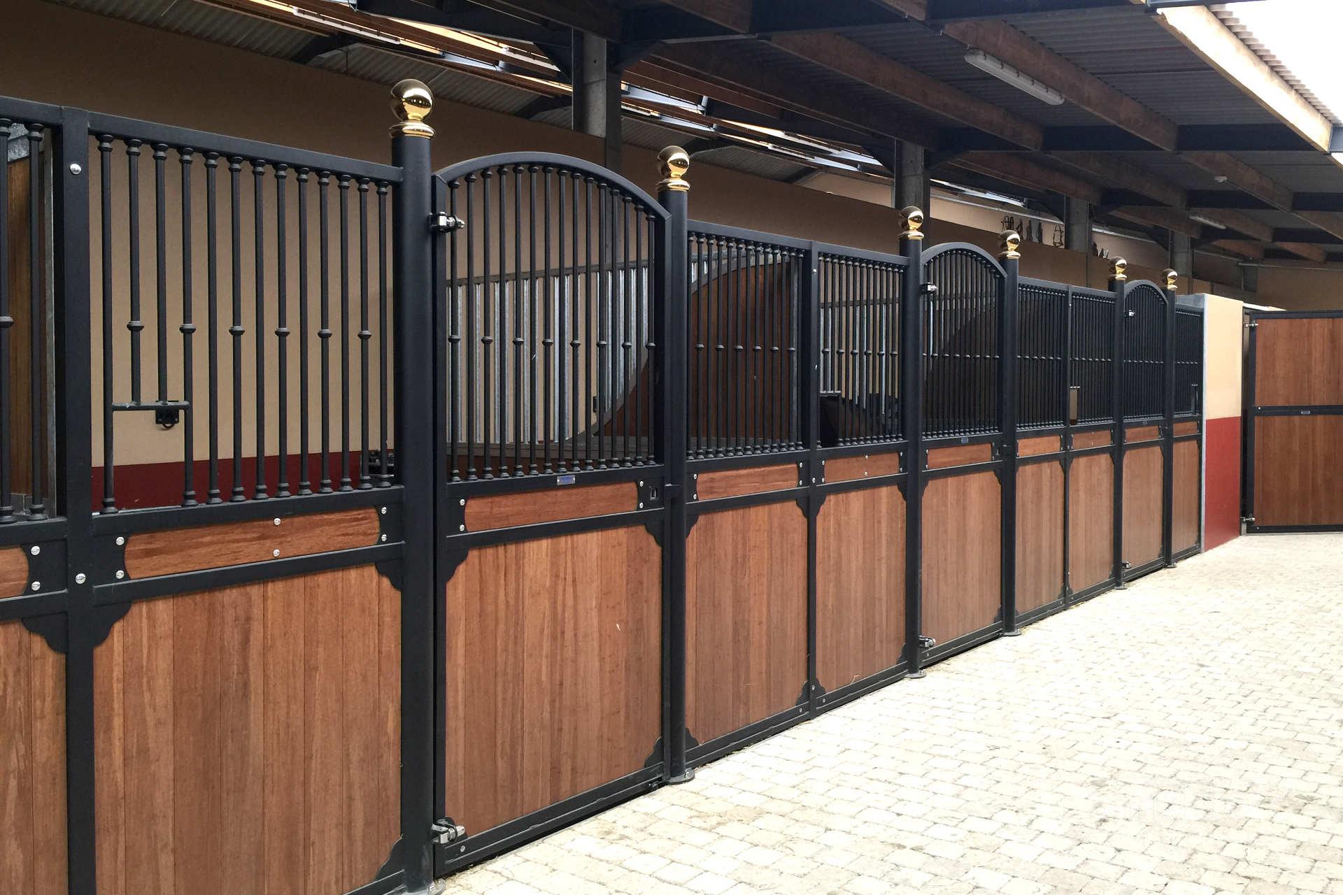 https://www.smulders.pl/wp-content/uploads/2019/03/f004_internal-stables_windsor_doors_windows_barn-doors_PRSH_SMULDERS_PL.jpg