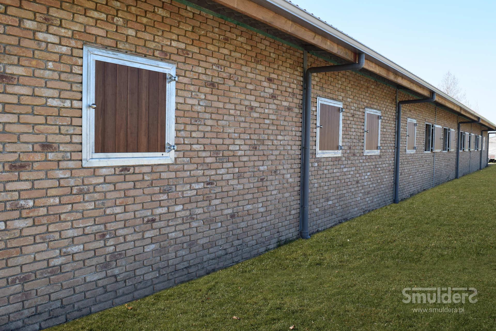 https://www.smulders.pl/wp-content/uploads/2019/03/f009_internal-stables_windsor_doors_windows_barn-doors_PRSH_SMULDERS_PL.jpg